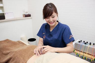 鍼灸の施術写真